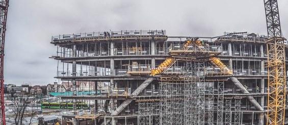 Idéal pour différentes applications dans la construction.