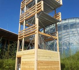 Habillage en bois adapté à l'environnement.