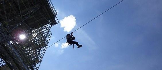 Adaptation à nombreuses activités en plein air (Tyroliennes).