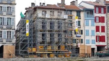 Etaiement de façade pour réhabilitation, Bayonne, France
